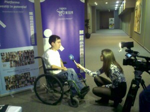 Iulian dand interviu la Antena 3