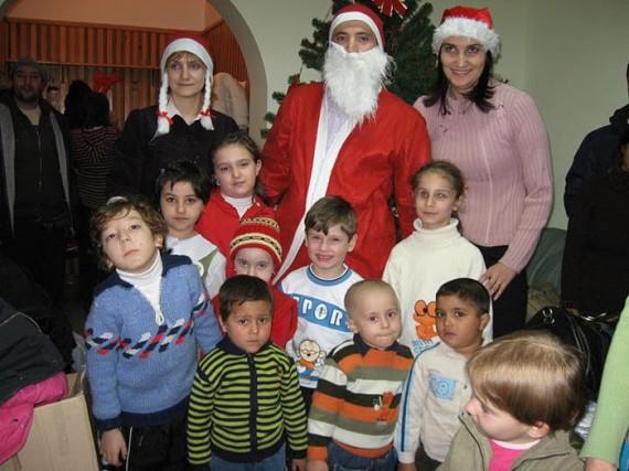 StartEvo-Craciun-Special-2007-La copii la Fundatie61